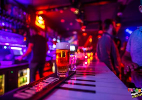 Piano-Bar-HCN-1.jpg